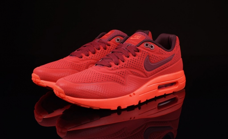 ShoeFax Nike Air Max 1 Ultra Moire Gym Red