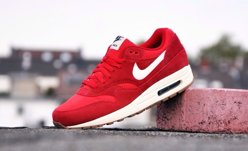 Nike Air Max 1 Hyper Punch Mercurial