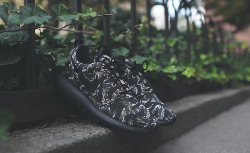 0b98d0afe79fb ShoeFax - Nike Roshe Run Black Tiger Camo